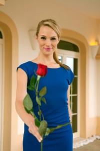 Frauen sind halt Rosen, gell? Sie wollen gepflückt werden. Die Bachelorette 2014 - Anna (Bild von www.express.de)