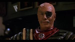 Vielleicht der größte Kunstkenner und Betonkopf  im Film: Christopher Plummer als General Chang (Foto von listal.com)