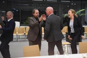 Sehn Sie: Ich hab Unrecht. Es geht doch hart zur Sache. (Bild Jochen Klenk, von www.theater.ulm.de)