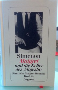 Ich müsste diese Maigret-Romane sicher nicht in festem Einband und mit rotem Bändchen lesen - aber dieser Luxus ist echt wunderbar