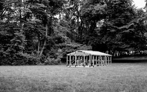 Ein ziemlich offener Gesprächsraum: Der Pavillon in der Frühlingsanlage (Bild Judith Buss, Münchner Kammerspiele)