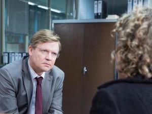 Hätte Kommissarin Broich POLIZEIRUF geschaut, hätte sie gleich gewusst, dass J. v. D. der Täter ist...