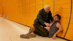 Ganz normal: Kommissar Leitmayr (Udo Wachtveitl) nimmt sich eines italienischen Kollateralschadens während der Wiesn an. (Bild von www.daserste.de)